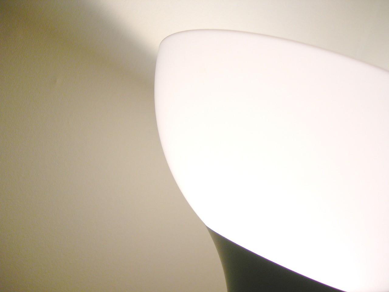 Nowoczesne rozwiązania oświetleniowe – aranżacje z plafonierami